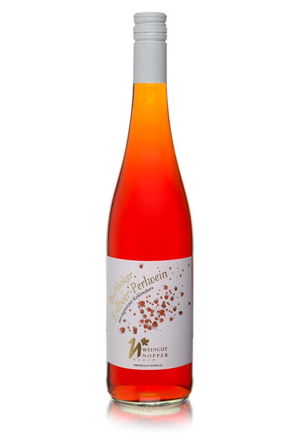 Erdbeer-Secco aus eigenem Anbau, ohne Zusatz von Aromastoffen